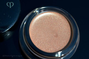 Cle-de-peau-creme-eye-color-304