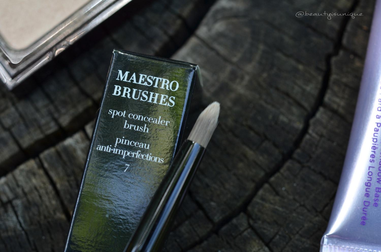 armani-concealer-brush