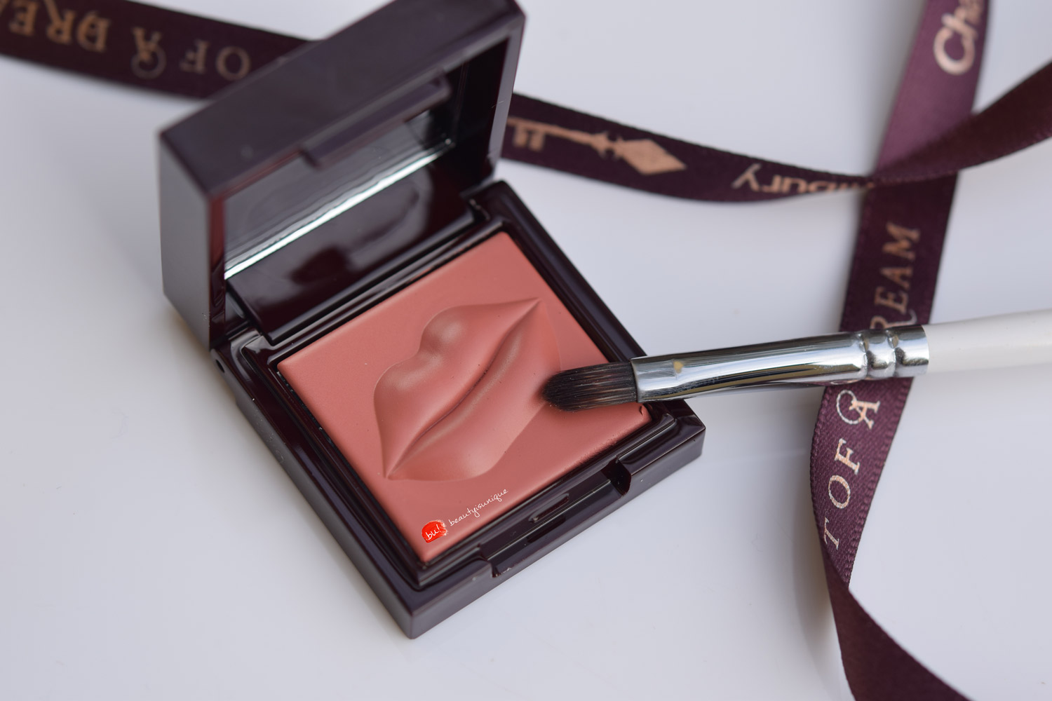 Charlotte-tilbury-pocket-pout-kiss-me-quick