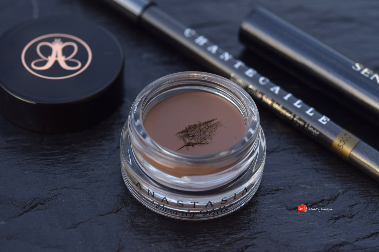 Anastasia-beverly-hills-dipbrow-pomade-soft-brown