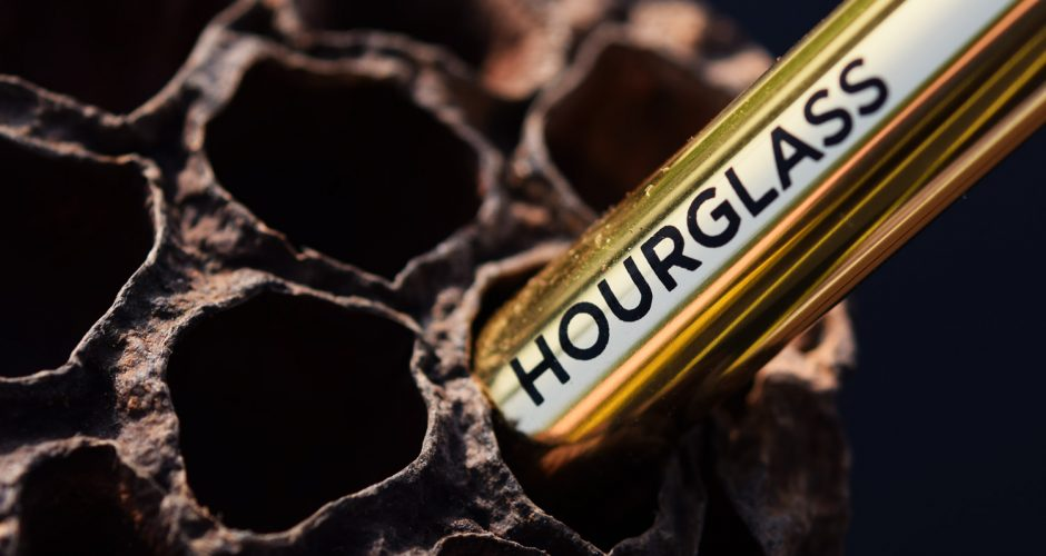 Hourglass-confession-ultra-slim-lipstick