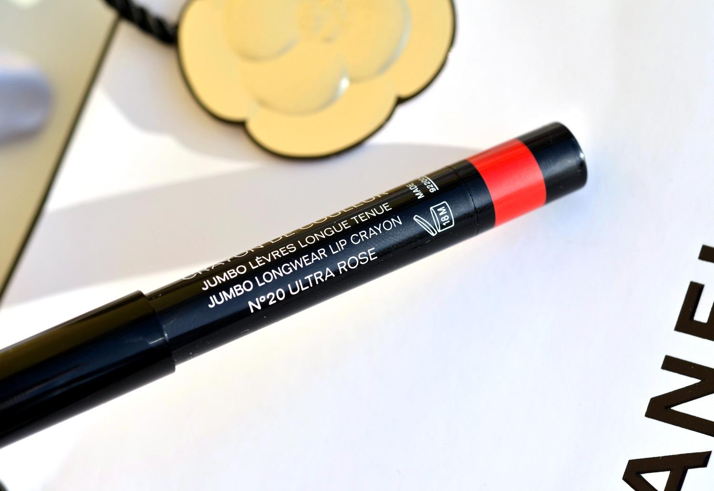 Chanel-les-beiges-eyeshadow-palette-light-swatcheschaneljumbo-longwear-lip-crayon-ultra-rose
