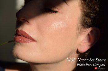 Mac-nutcracker-sweet-peach-face-compact