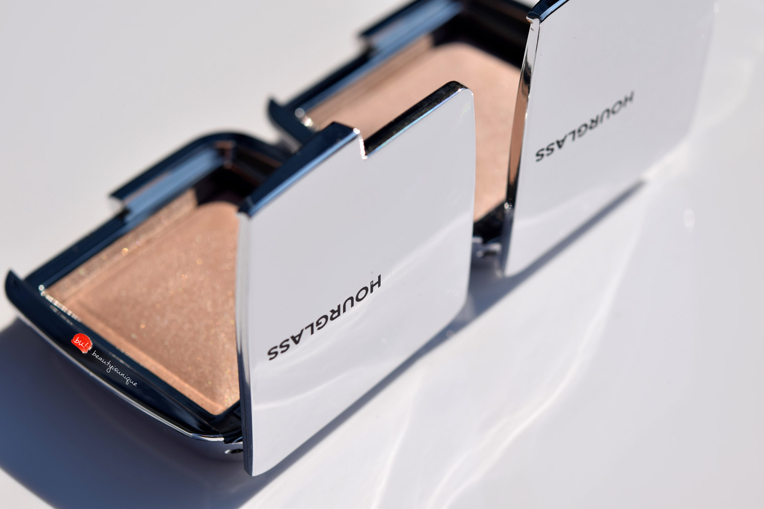 hourglass-ambient-euphoric-strobe-light