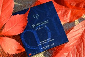 cle-de-peau-radiant-cushion-foundation