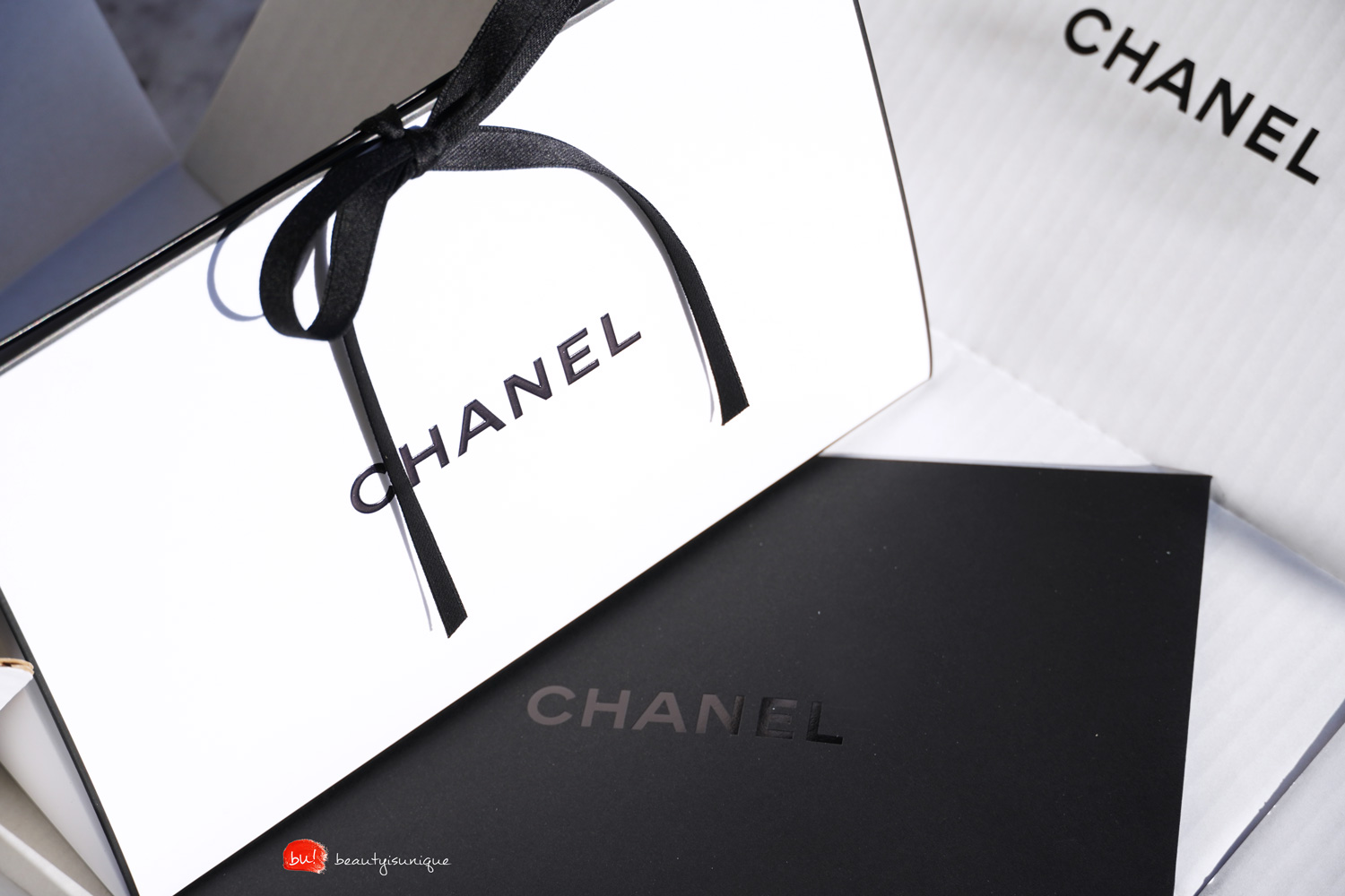 Chanel-holiday-2019-les-ornements-de-chanel