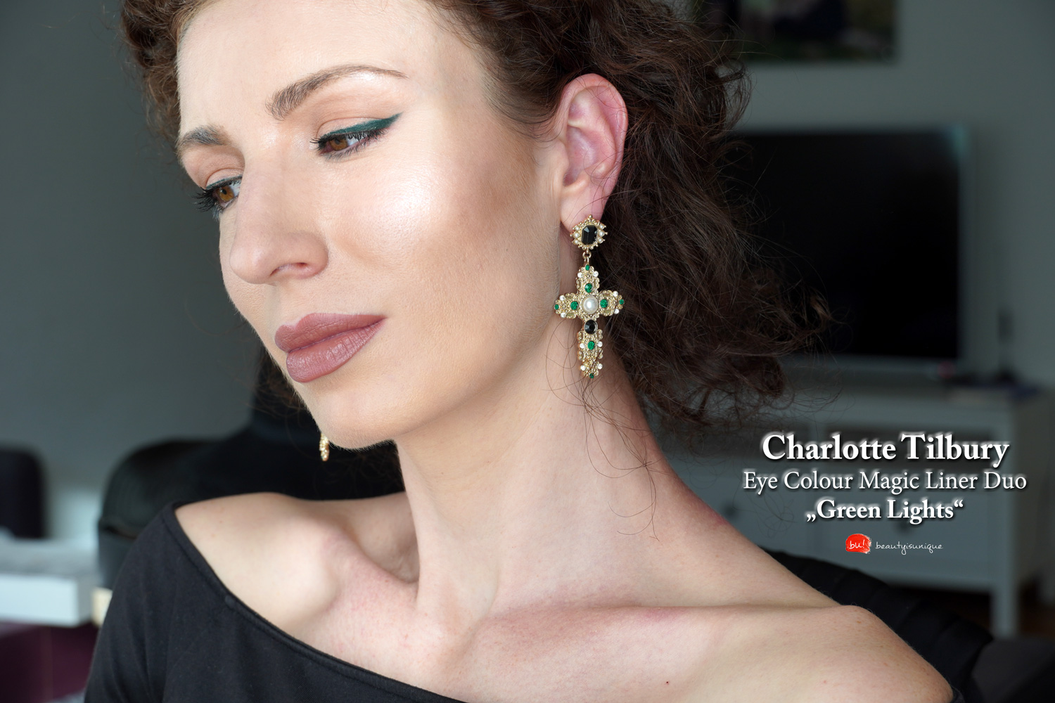Charlotte-tilbury-green-lights-eye-colour-magic-liner-duo-swatches