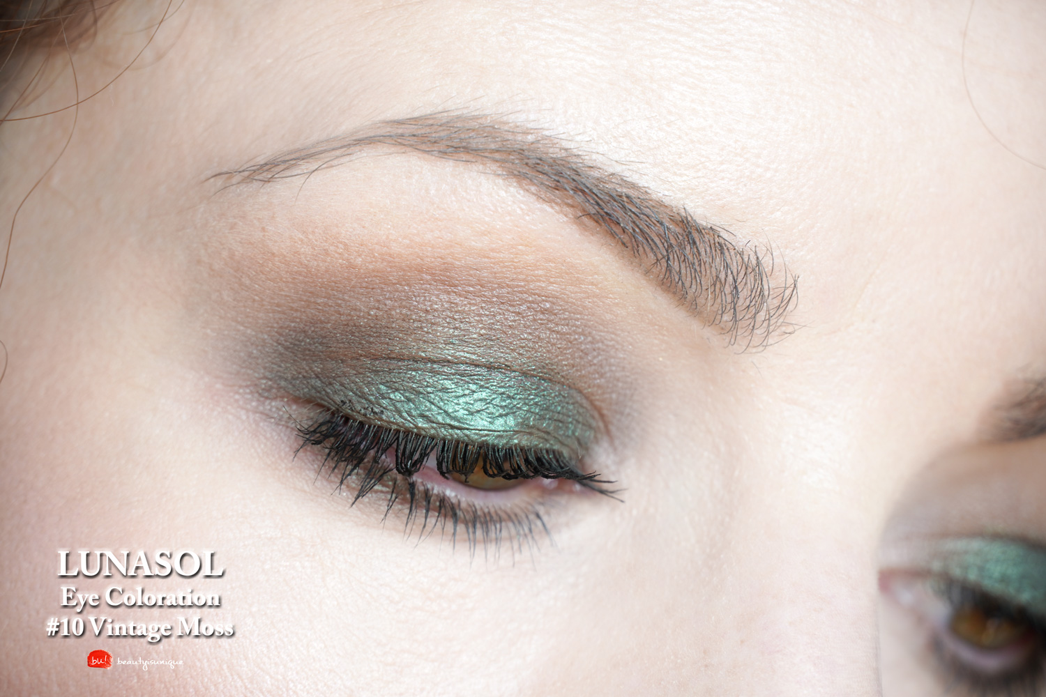 lunasol-10-vontage-moss-eye-coloration