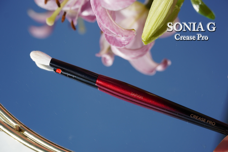 Sonia-g-crease-pro-brush