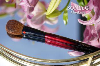 Sonia-g-cheek-pro-brush