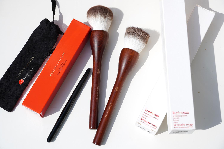 la-bouge-rouge-powder-brush